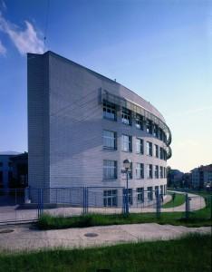 gimnazija crnjanski zgrada
